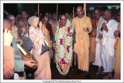 Sripad Yudhamanyu Prabhu is second to the right of Srila Prabhupada.